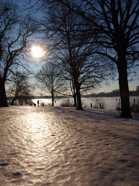 alster-hamburg-winter-schnee
