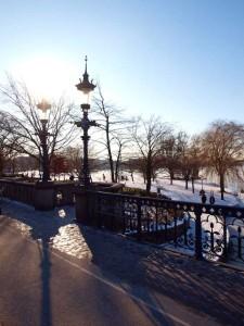 Alster Bruecke Winter